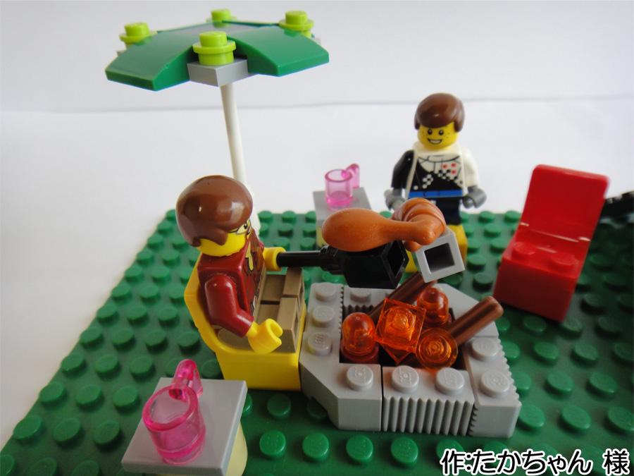 夏に家族でバーベキューするレゴ作品。夏休みの思い出作品の一例です。