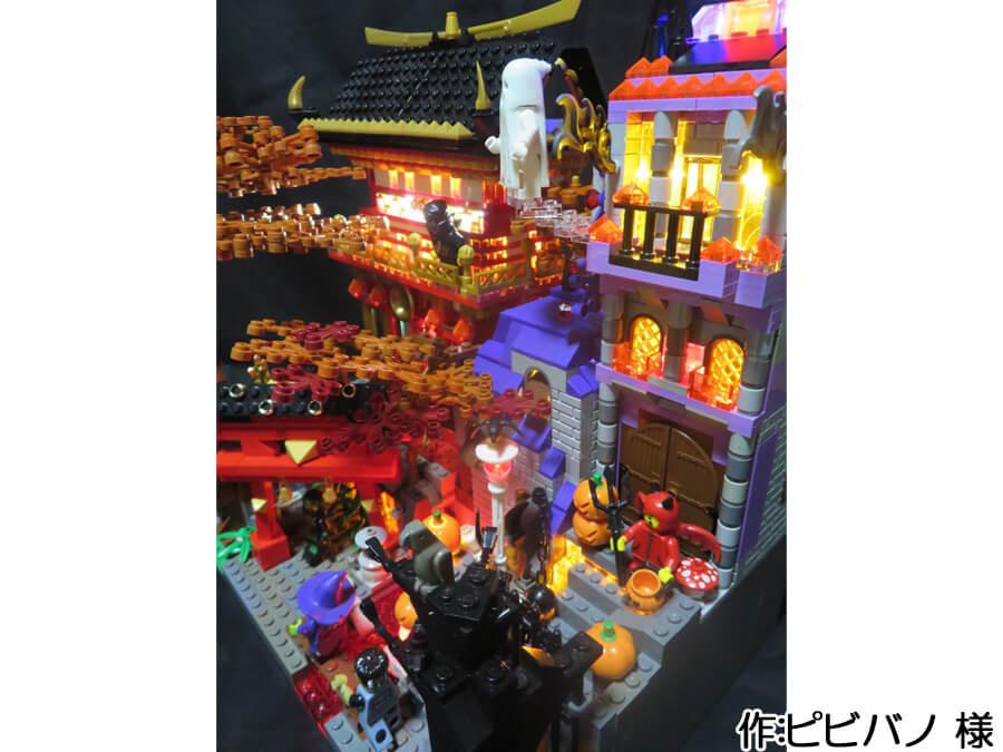 ハロウィンと日本の秋が融合した作品を右上から。洋風の建物はジャックオランタンやオレンジのパーツがアクセントになっています。
